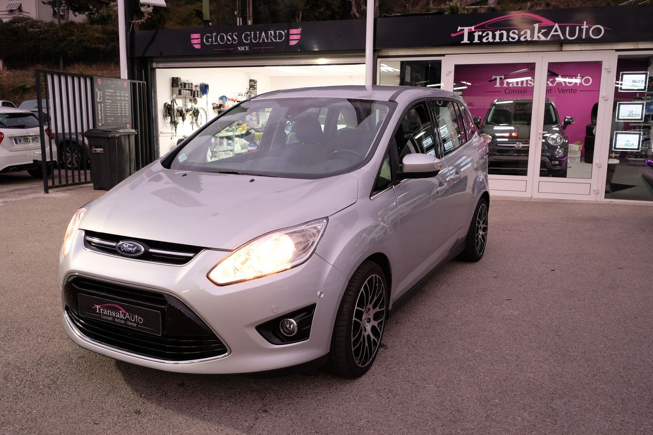 voiture ford grand c max 1 6 tdci 115 fap titanium occasion diesel 2013 92500 km 10990. Black Bedroom Furniture Sets. Home Design Ideas
