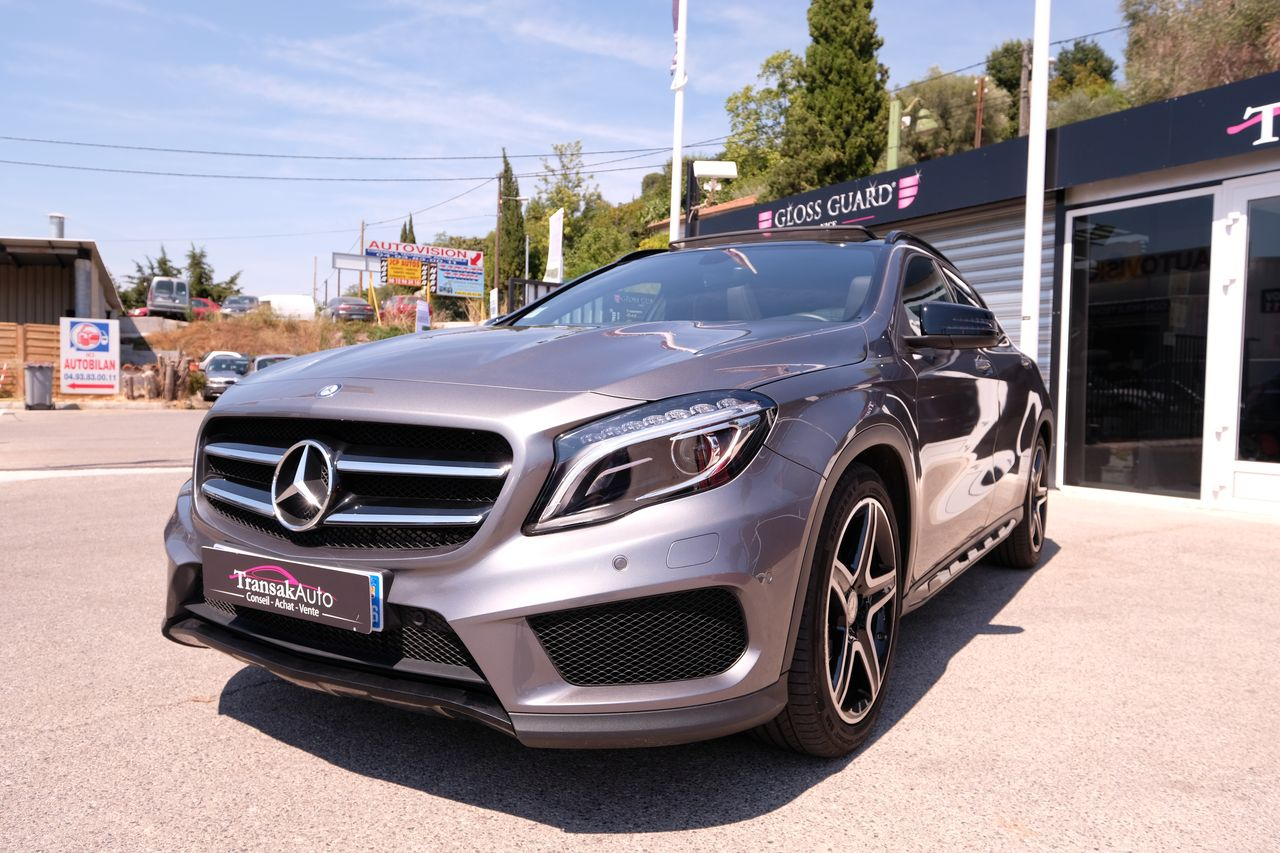 voiture mercedes classe gla 200 cdi fascination 7 g dct a occasion diesel 2015 10000 km. Black Bedroom Furniture Sets. Home Design Ideas